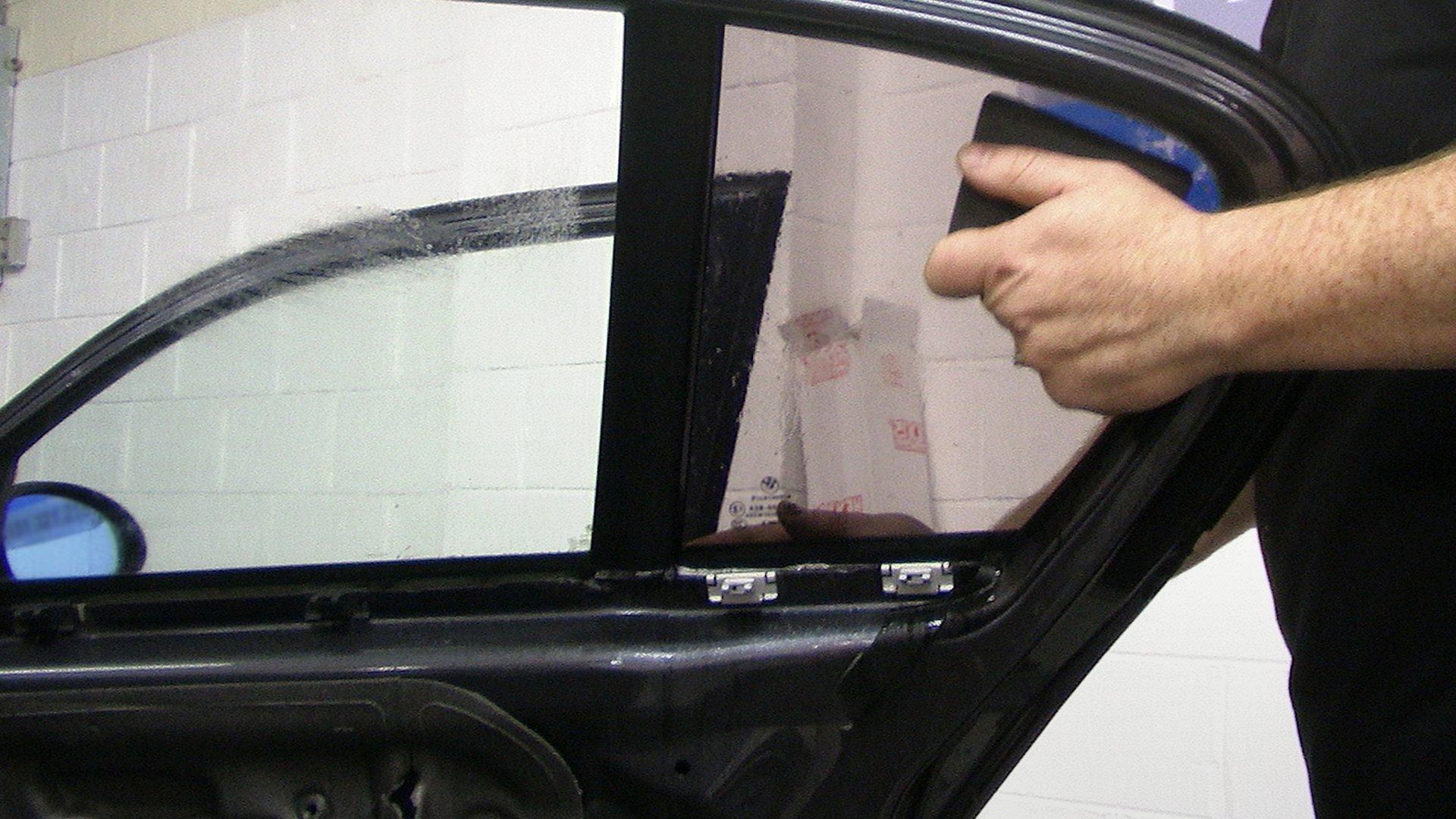 Тонировка без снятия стекол своими руками 92